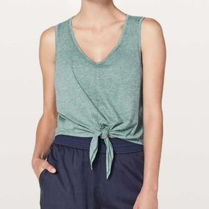 Lululemon knot gonna fly tank 4